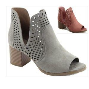 Shoes - ️5⭐Vegan Suede Block Heel Bootie in 2 Colors